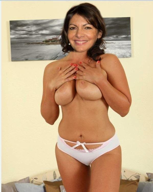 Fake Anne Hidalgo | Kumpulan Berbagai Gambar Memek | GMO