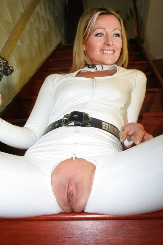 British slut michelle b in a ffm threesome with the singer 2